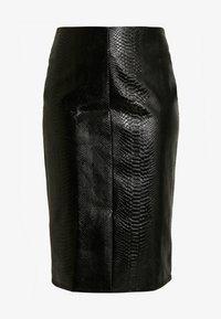 Glamorous Curve - SNAKE EMBOSSED SKIRT - Kokerrok - black - 3