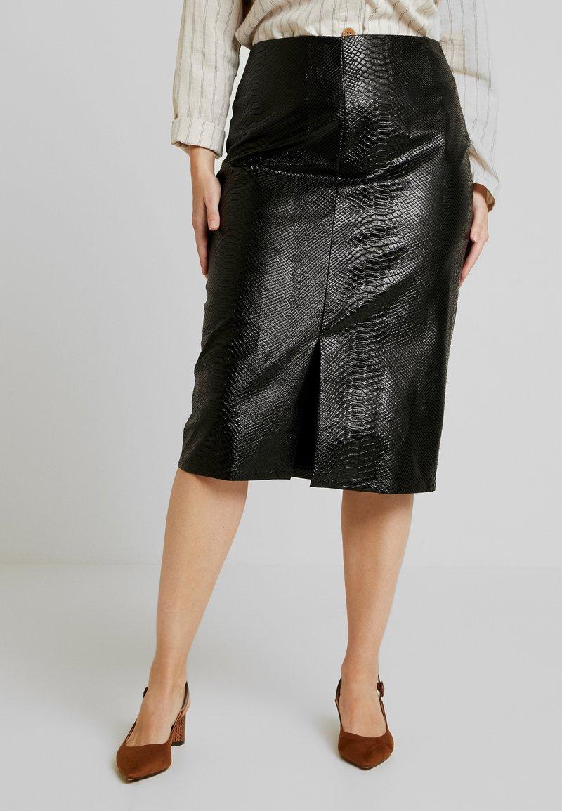 Glamorous Curve - SNAKE EMBOSSED SKIRT - Kokerrok - black