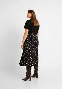 Glamorous Curve - SMUDGE SKIRT - Spódnica trapezowa - black pink - 2
