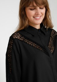 Glamorous Curve - INSERT DRESS - Skjortekjole - black - 5
