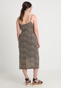 Glamorous Curve - LEOPARD DRESS - Długa sukienka - beige - 2
