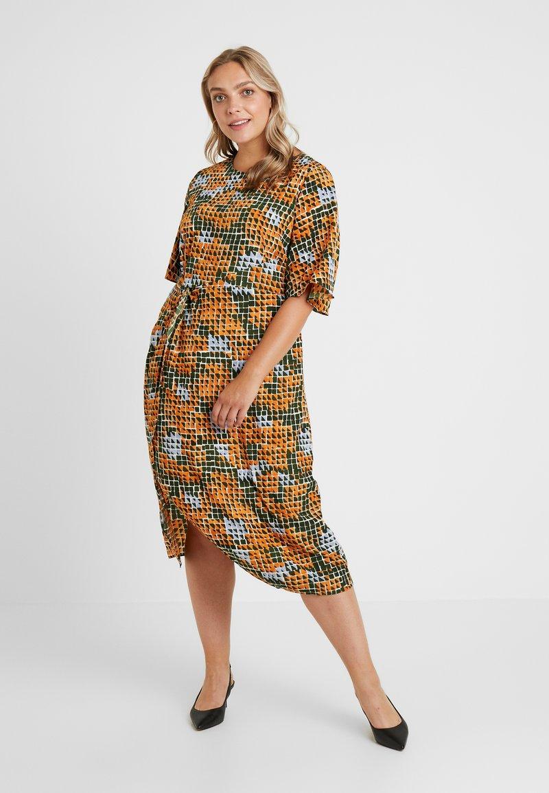 Glamorous Curve - Day dress − print