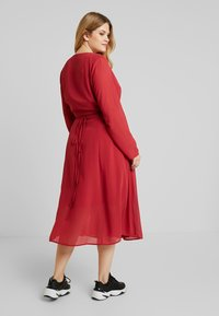 Glamorous Curve - WRAP MIDI DRESS - Sukienka letnia - red - 3