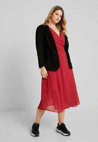 Glamorous Curve - WRAP MIDI DRESS - Sukienka letnia - red - 2