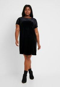 Glamorous Curve - VELVET DRESS - Vardagsklänning - black - 2