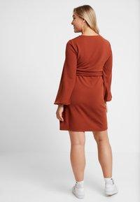 Glamorous Curve - WRAP DRESS - Day dress - rust brown - 2