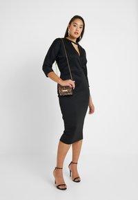 Glamorous Curve - BELTED DRESS - Pouzdrové šaty - black - 1