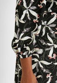Glamorous Curve - ORIENTAL FLORAL MILKMAID DRESS - Kjole - oriental - 6