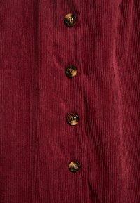 Glamorous Curve - BUTTON DOWN DRESS - Shirt dress - bordeaux - 5