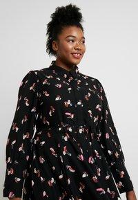 Glamorous Curve - SMUDGE PRINT DRESS - Maxi šaty - black/pink - 4