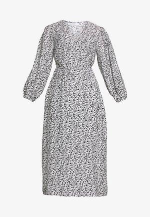 MIDI DRESS - Robe d'été - black white floral