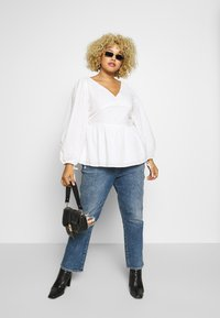 Glamorous Curve - LONG SLEEVE BRODERIE BLOUSE - Blouse - white - 1