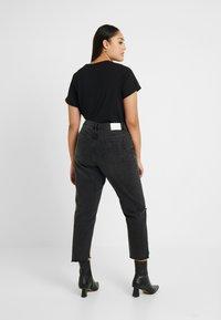Glamorous Curve - Vaqueros slim fit - black - 2