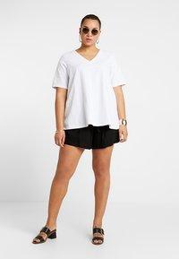 Glamorous Curve - Shorts - black - 1