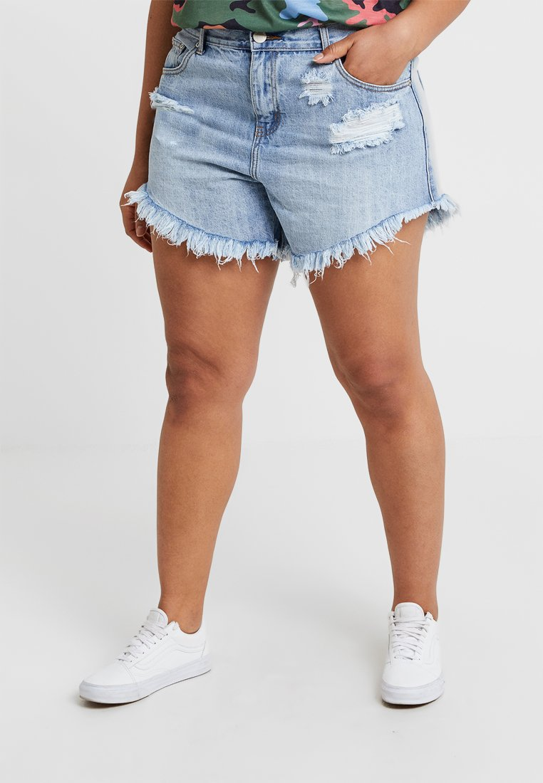 Glamorous Curve - GLAMOROUS CURVE - Jeans Shorts - light blue