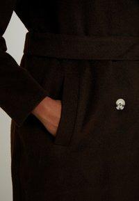 Glamorous Curve - MASCULINE COAT - Mantel - chocolate - 5