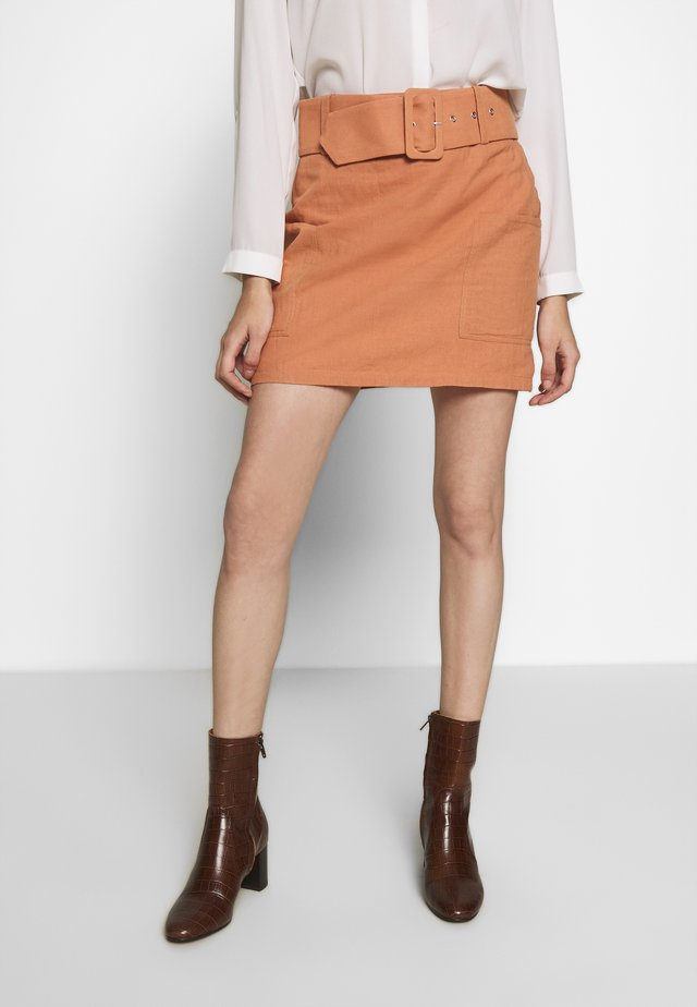 BUCKLE MINI SKIRT - Mini skirt - apricot