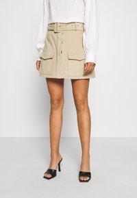 Glamorous Petite - BELTED MINI SKIRT WITH POCKET DETAIL - Blyantnederdel / pencil skirts - stone corduroy - 0