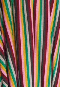 Glamorous Petite - STRIPE - Falda acampanada - pink green - 2