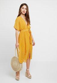 Glamorous Petite - Vestito estivo - yellow - 2