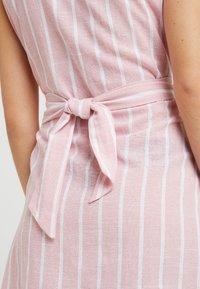 Glamorous Petite - Day dress - wide pink/white - 3