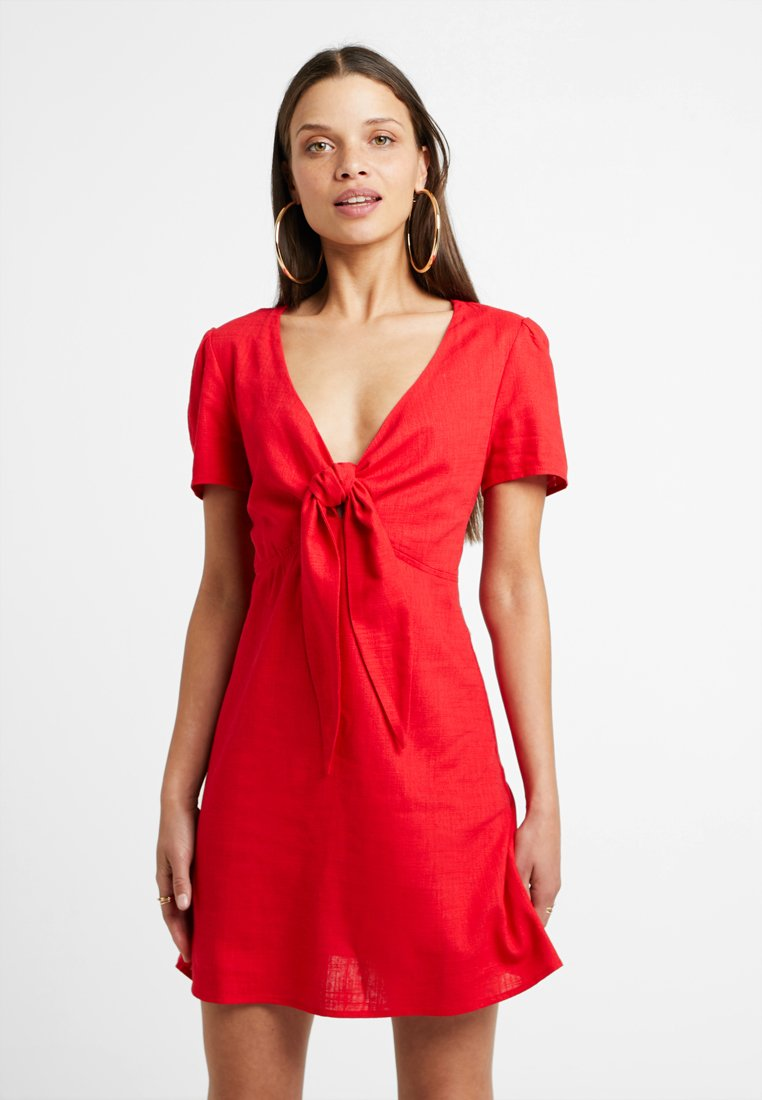 Glamorous Petite - Day dress - red