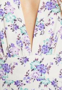 Glamorous Petite - DITSY DRESS - Freizeitkleid - cream/lilac - 5