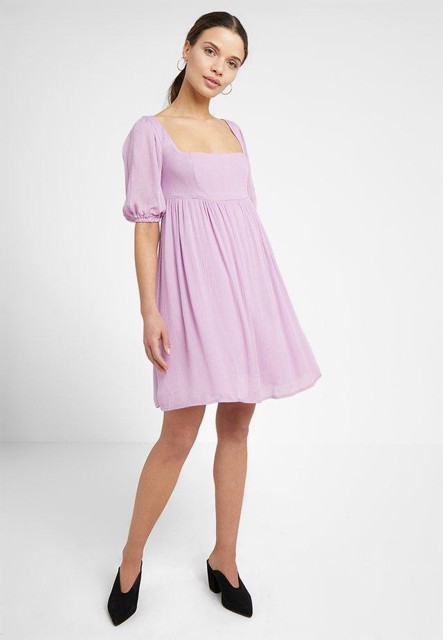 SHORT SLEEVE DRESS - Korte jurk - lilac