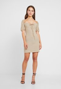 Glamorous Petite - Shift dress - beige/black - 1