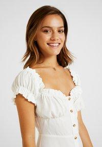 Glamorous Petite - MILKMAID DRESS - Vapaa-ajan mekko - white - 4