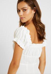 Glamorous Petite - MILKMAID DRESS - Vapaa-ajan mekko - white - 6