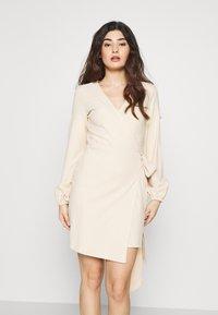 Glamorous Petite - WRAP DRESS - Etui-jurk - stone - 0
