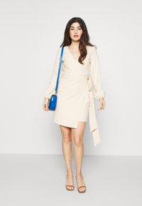 Glamorous Petite - WRAP DRESS - Etui-jurk - stone - 1