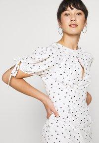 Glamorous Petite - STUDIO: HEART PRINT DRESS - Day dress - white - 4