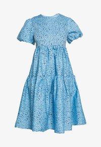 Glamorous Petite - FLORAL SMOCK PUFF SLEEVE DRESS - Hverdagskjoler - blue - 4