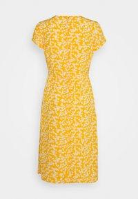 Glamorous Petite - SUSTAINABLE MIDI TEA DRESS - Day dress - yellow - 1