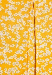 Glamorous Petite - SUSTAINABLE MIDI TEA DRESS - Day dress - yellow - 2