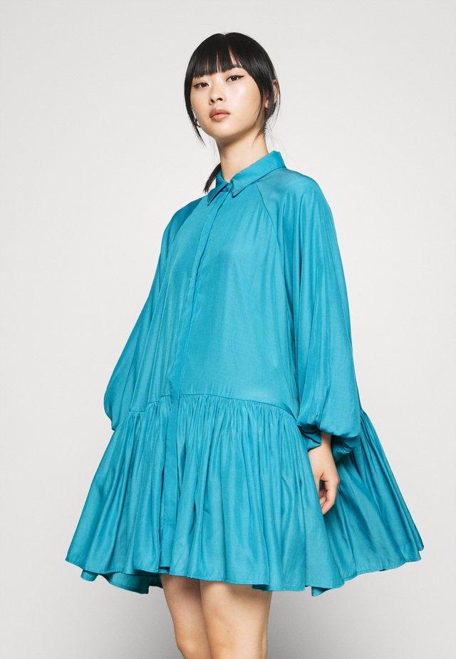 SMOCK DRESS - Robe chemise - blue