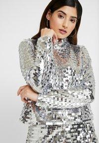 Glamorous Petite - Bluser - silver - 4