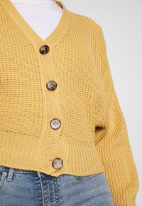 Glamorous Petite - BUTTON DOWN - Cardigan - tan - 5