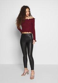 Glamorous Petite - EXCLUSIVE BARDOT - Strickpullover - dark red - 1