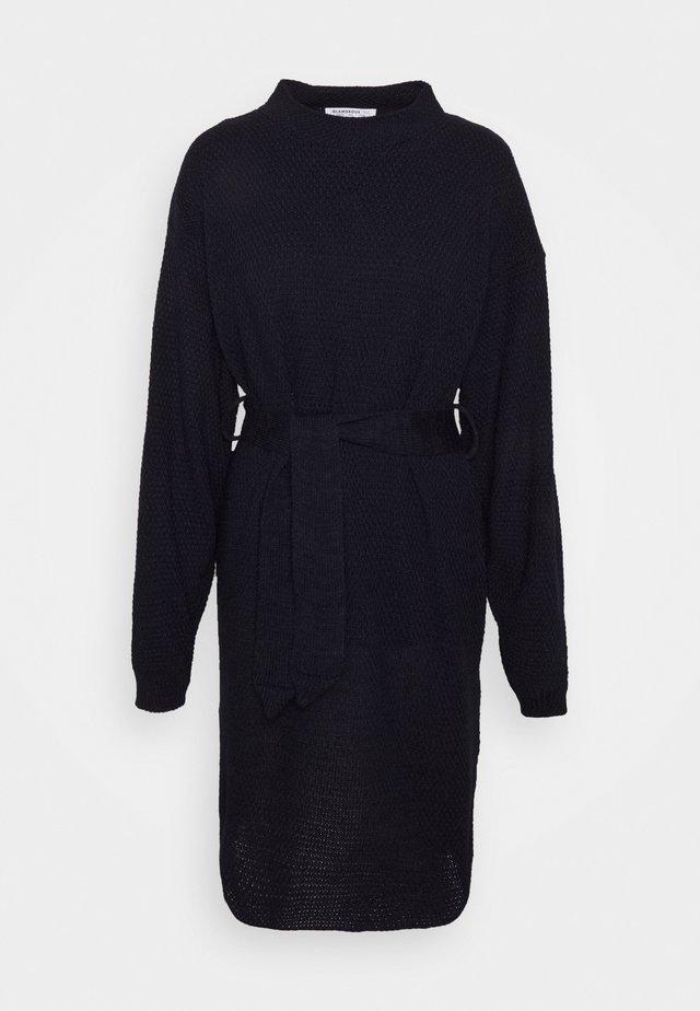 TIE WAIST JUMPER DRESS - Vestido de punto - navy