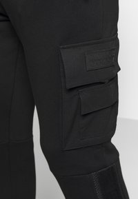 Glorious Gangsta - MORELLO CARGO JOGGERS - Trainingsbroek - black - 5