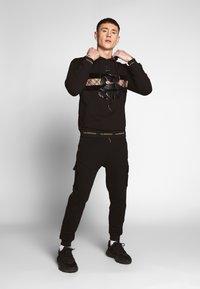 Glorious Gangsta - ALMA UTILITY - Trainingsbroek - black - 1