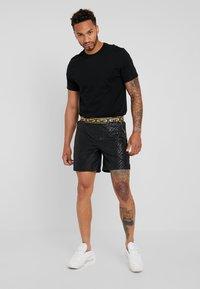 Glorious Gangsta - JANUS - Pantalon de survêtement - black - 1