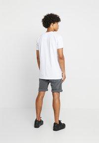 Glorious Gangsta - HATHI - T-shirt imprimé - white - 2