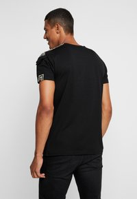 Glorious Gangsta - BAZLEY - T-shirt con stampa - black - 2