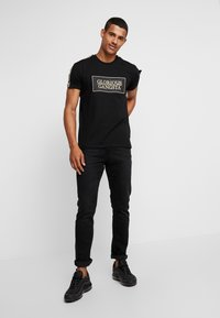 Glorious Gangsta - BAZLEY - T-shirt con stampa - black - 1
