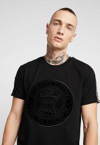 Glorious Gangsta - MERCY LOGO - T-shirt med print - black - 3