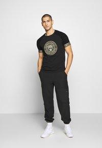 Glorious Gangsta - NAPOLI - T-shirt print - black - 1